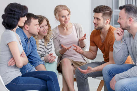 Coach and support group during psychological therapy. Stockfoto
