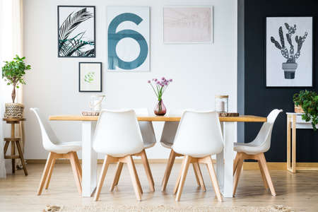 Big bright dining room with plant decoration Stok Fotoğraf - 84779225