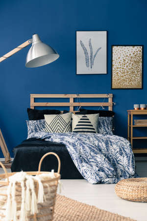Deep blue bedroom decor inspired by mediterranean style