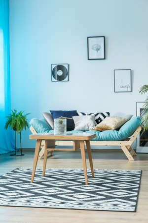Blauwe Design Bank.Blue Cozy Living Room With Designer Couch Stock Photo Picture