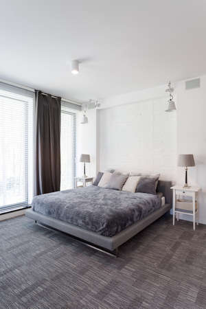 Spacious ans lightsome master bedroom with double bed and window