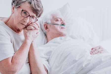 Alzheimer echtgenoot dating dochter dating t shirts