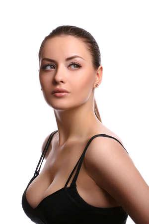 jonge aantrekkelijke model dragen beha op wit wordt geïsoleerd