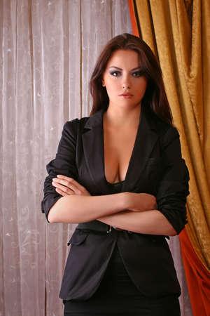 aantrekkelijke jonge volwassen dragen pak  Stockfoto