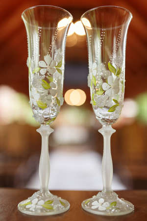 gauzy: wedding glasses of champagne decorated with flowers