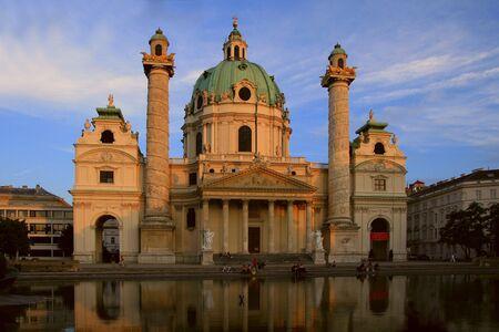 Karlskirche. Cath�drale Saint-Charles, � Vienne