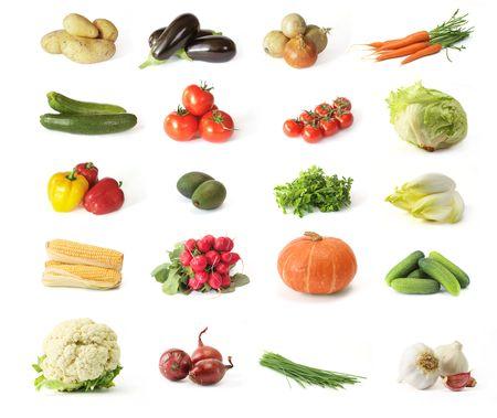 흰색 배경에 야채 배열