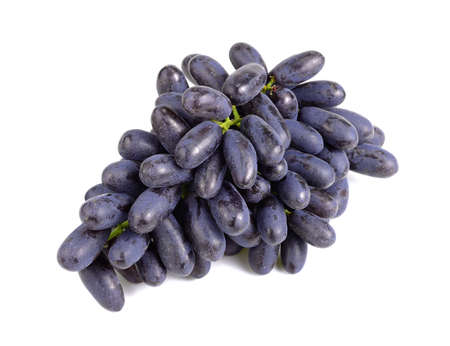 Purple seedless grapes isolated on white background Banque d'images - 122513568
