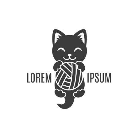 Czarny kształt kociak z piłką w łapach. Logo Cat. Prosty logotyp zwierzęcy dla kliniki sklepowej lub weterynaryjnej lub firmy wykonanej ręcznie