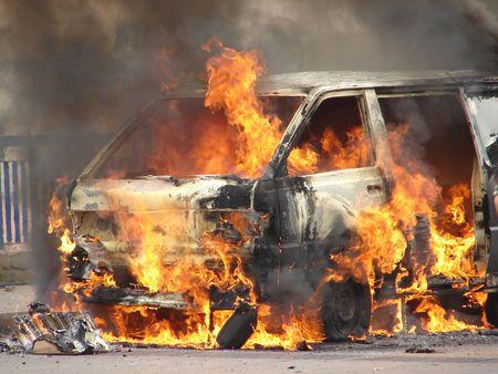 accident de travail: Van br�lant