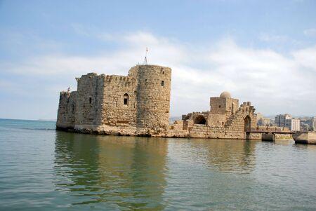 royale: antiguo castillo en el mar