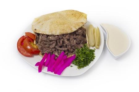 Shawarma stijl rundvlees op een pita, Arabische Turkis-Libanese voedsel