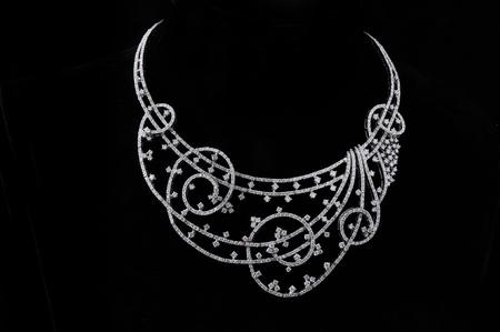 diamond necklace Stock Photo - 9688985