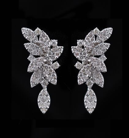 diamond earings with reflection Stock Photo - 9691914