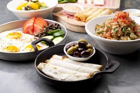 mediterrane k�che: verschiedenen libanesischen Platten  mediterrane K�che