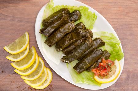 hojas parra: Hojas de parra rellenas, cocina libanesa