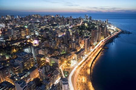 Antenna ripresa notturna di Beirut in Libano, città di Beirut, Beirut City Scape