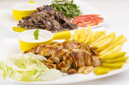 Shawarma Plate, boeuf shawarma et la plaque de poulet Banque d'images - 70763456