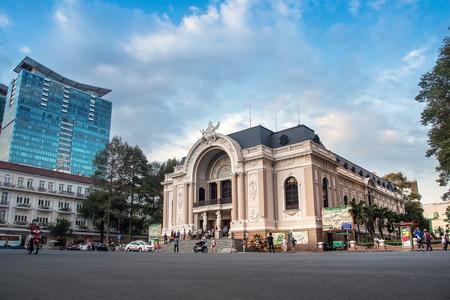 HO ホーチミン市、ベトナム-2015 年 2 月 28 日: サイゴン オペラ ハウスやホーチミン市、ベトナムの劇場。それはフランスの建築家ウジェーヌのフェレ