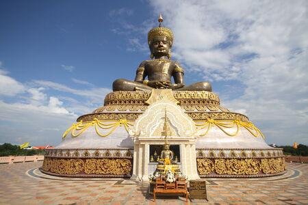 maha: Phra Maha Thammarachathirat monument Stock Photo