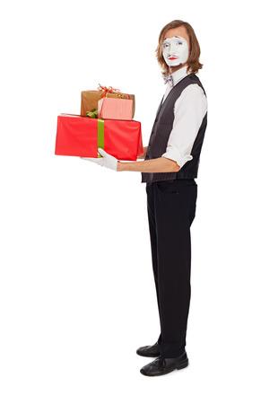 mimo: actor de mimo celebraci�n de cajas con regalos