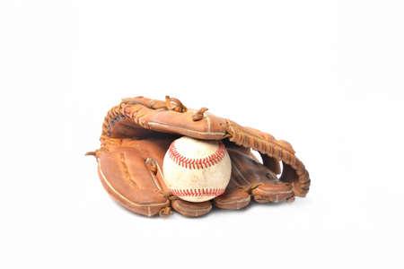 guante de beisbol: Béisbol guante y pelota aislados en blanco