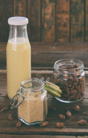 �¡hufa milk and tigernut flour. Alternative type of milks. Vegan non-dairy milk. Lactose-Free Milk and Nondairy Beverages. Lactose intolerance. Gluten free. Grain free. Healthy food. Superfood. Stockfoto