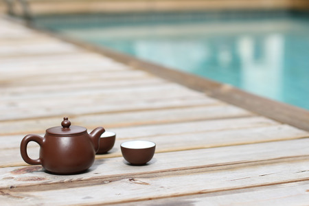 tetsubin: Having a chinese Tea by the swimmimg pool