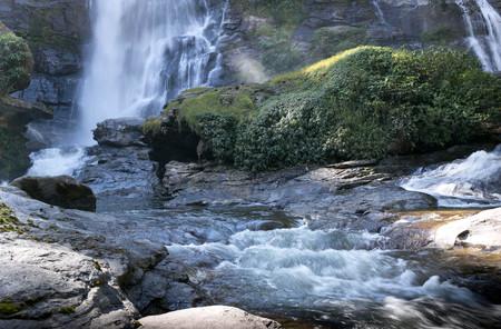 Deep forest waterfall at Vachiratharn Waterfall National Park Chaing Mai Thailand Standard-Bild