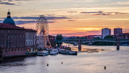 daurade: Sunset over the Garonne river in Toulouse, view from La Daurade.