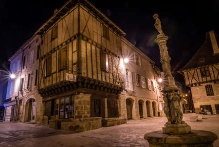 Saint Cere at night, houses on Mercadial square
