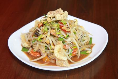 green papaya salad thai food Stock Photo - 18541021