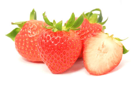 bacca: Strawberry isolated on white background cutout.