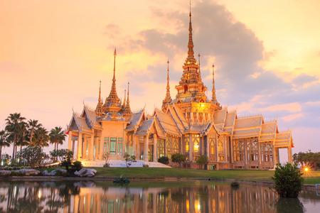 Thai temple in Nakhon Ratchasima or Korat, Thailand. Foto de archivo