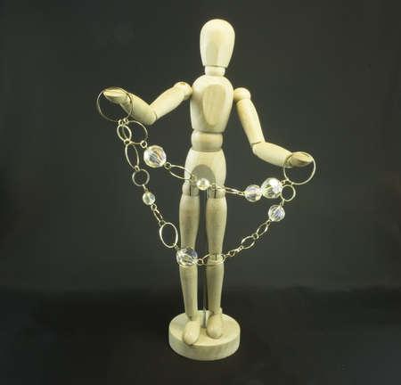 mannequin avec jewel sur le fond noir Banque d'images