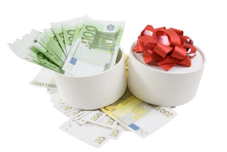 White round box withf banknotes for one and two hundred euros