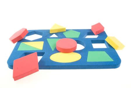 Des enfants d�veloppement de jeu avec des formes g�om�triques Banque d'images