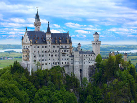 neuschwanstein: Castle Neuschwanstein in Bavarian Alps
