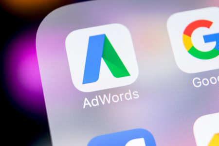 Sankt-Petersburg, Russia, March 7, 2018: Google AdWords express application icon on Apple iPhone X screen close-up. Google Ad Words Express icon. Google Adwords application. Social media network 新聞圖片