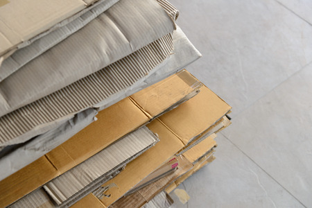 bard: Stacking of used cardboard box for recycling