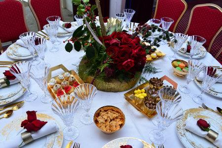 Wedding day event organization table setting decor