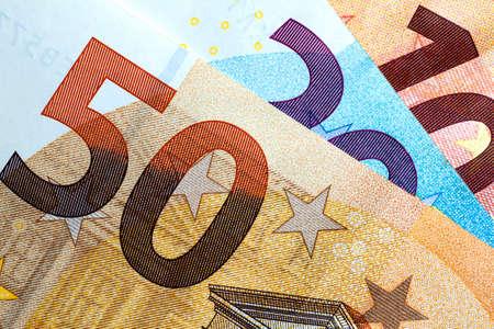 Primer plano del dinero euro colorido. Fondo del dinero euro.