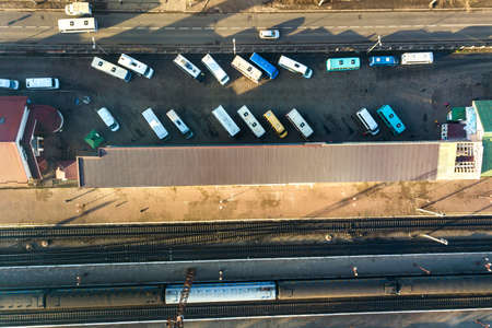 Aerial view of many cars and buses moving on a busy city street. Zdjęcie Seryjne