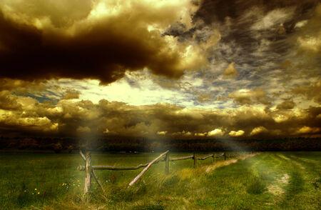 Dramatischen Himmel Standard-Bild - 29619200