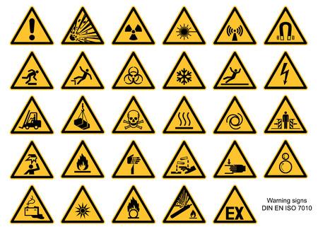 Collection de panneaux d'avertissement DIN 7010 et vecteur ASR1.3 isolé sur fond blanc