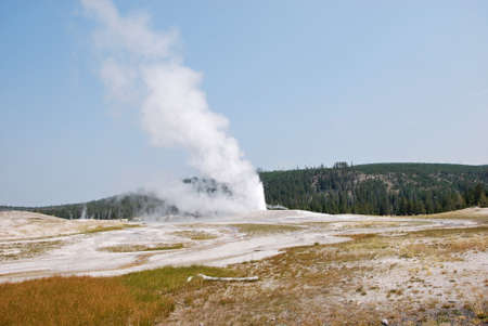 Old Faithful Geyser at Yellowstone National Park, Wyoming Banco de Imagens