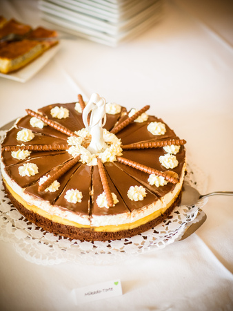 The chocolate liqueur pie homemade with a figure on top Stockfoto