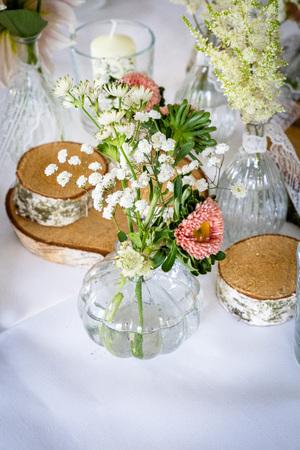 Handmade wedding decoration, flowers, wood, flowers in vintage and natural look