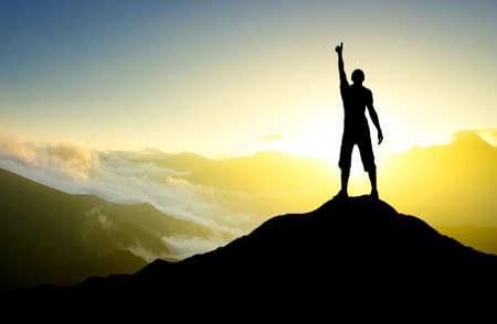 Gewinner auf Berggipfel Sport und aktives Leben