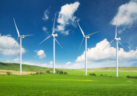 ecosistema: Estación de energía eólica. Composición de la energía ecológica Foto de archivo